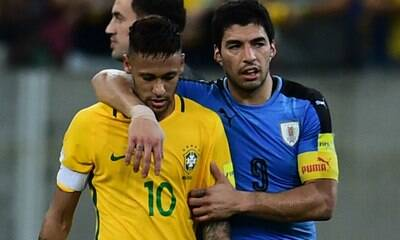 Suárez sai em defesa de Neymar: 'Sofre muito quando o criticam'