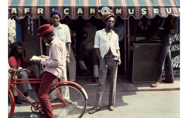Jamaica, Jamaica! propõe uma experiência sonora que enaltece o país caribenho