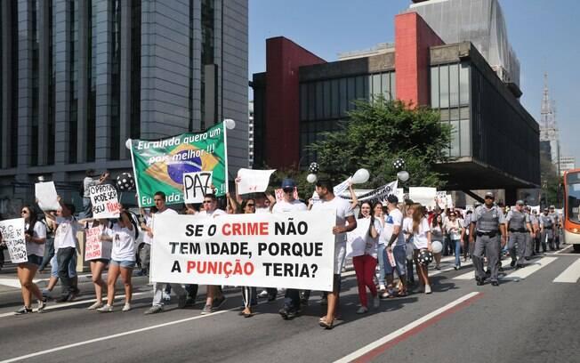 Manifestantes saíram exigem fim da maioridade durante protesto realizado na Avenida Paulista