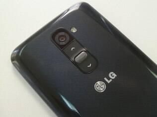 LG G2 tem botões na parte traseira