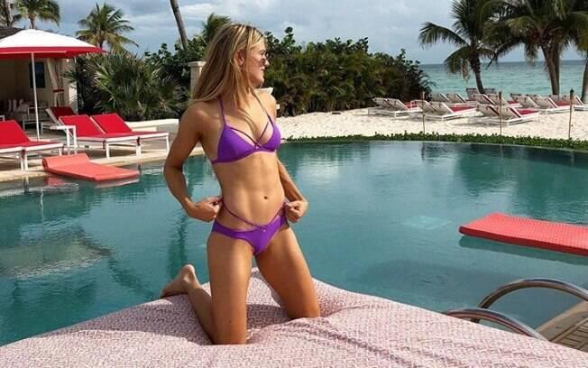Genie Bouchard é uma das belas tenistas que aproveitam suas férias em praias pelo mundo