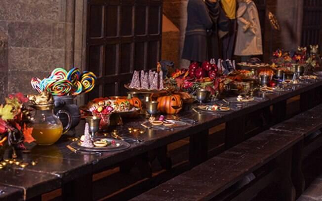 Em Hogwarts, os fãs da série poderão se deliciar com um banquete assustador, em clima de Dia das Bruxas