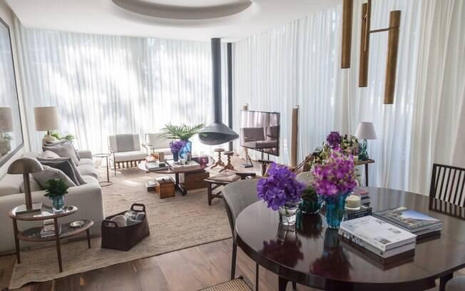 Criação do arquiteto Dado Castello Branco, a Casa Flamboyant é um espaço de convivência sempre aberto para receber os amigos