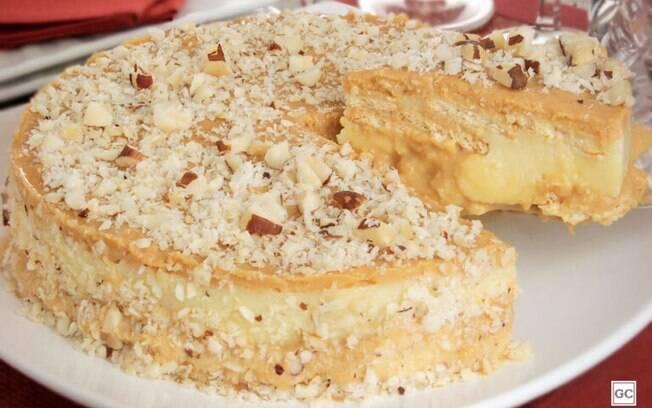 Torta de doce de leite com castanha-do-Pará crocante