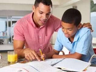 Na compartilhada, os pais tomam todas as decisões em conjunto no que diz respeito à criação dos filhos