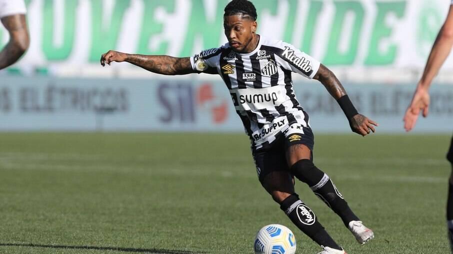 Santos é goleado pelo Juventude