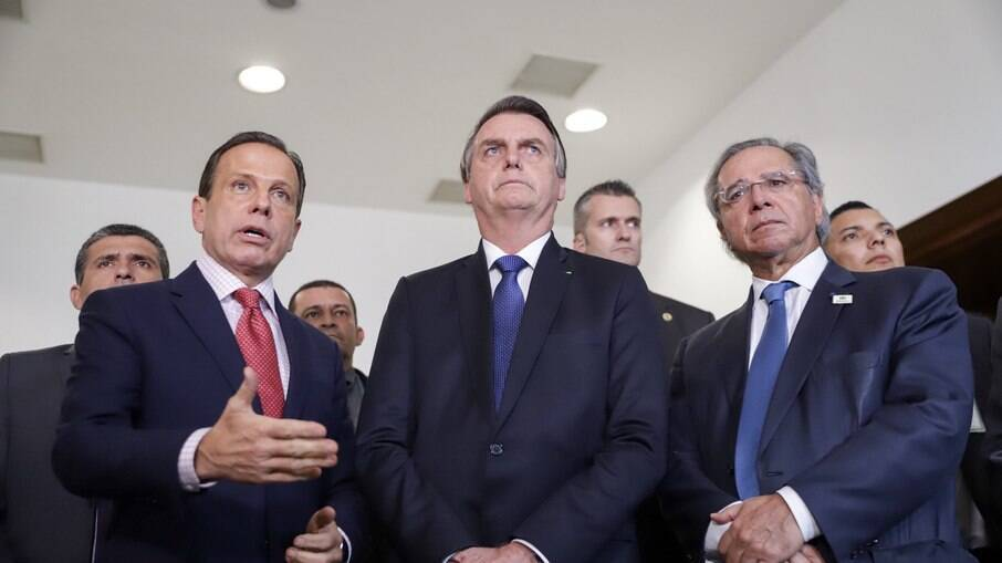 João Doria (PSDB) e Jair Bolsonaro (sem partido) voltaram a trocar fartas públicas
