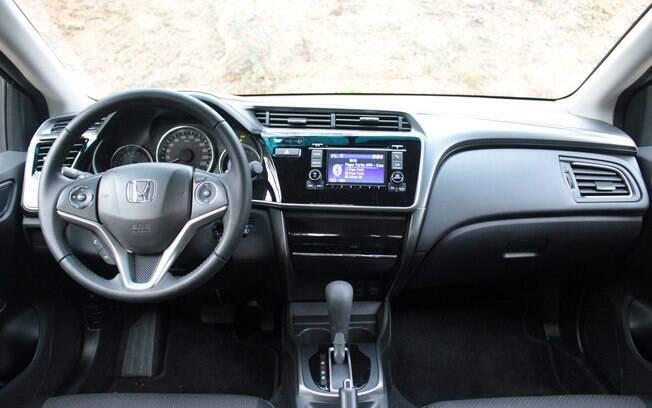 Honda City traz atributos interessantes, mas peca pela simplicidade em sua montagem