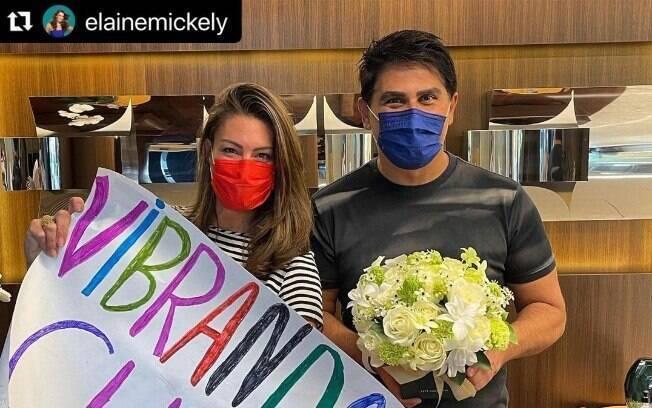 César Filho e sua esposa comemoram retorno para casa