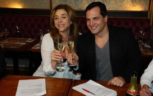Marisa Orth e Daniel Boaventura brindam novo projeto