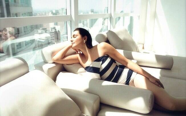 Tainá Müller declarou gostar mais do corpo atual em comparação com sua época de modelo, quando era 12kg mais magra