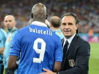 'Já vou avisando que domingo contra o Fluminense vamos jogar mal e fazer um papelão', revelou Prandelli