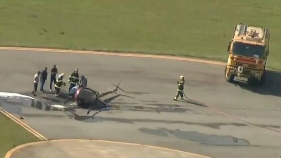 Queda de helicóptero no aeroporto Campo de Marte deixou dois feridos