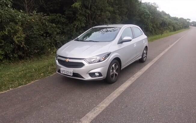 O Chevrolet Onix LTZ pode ser adquirido com câmbio automático pelo preço do Renault Kwid