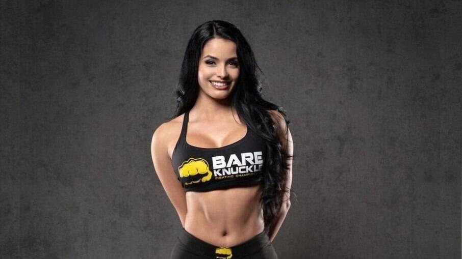 Paola Duque deixa boxeador de 'queixo caído'