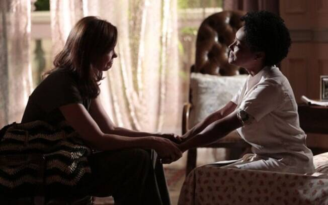 Helena relembra o dia em que perdeu o filho de Laerte
