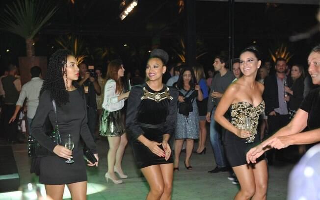 Sheron Menezzes e Mariana Rios