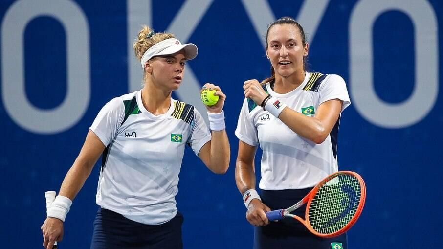 Laura Pigossi e Luisa Stefani estão nas semifinais do torneio de duplas