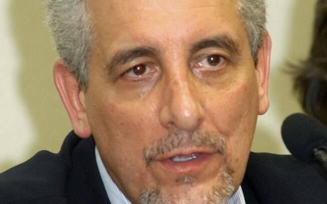 O ex-diretor do BB Henrique Pizzolato, foragido da Justiça brasileira (arquivo)