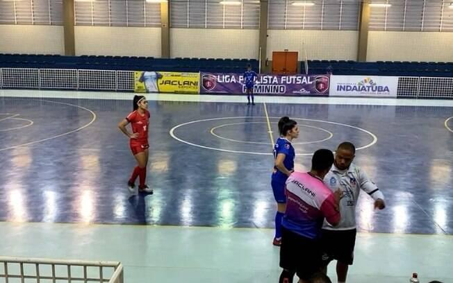 Partida de futsal é encerrada em Indaiatuba após denúncia de racismo