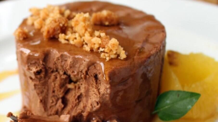 Essa sobremesa leva manjericão, que faz toda a diferença no sabor