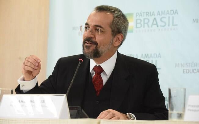 Apesar das críticas ao Future-se, a UFRJ se mostrou aberta ao diálogo com o ministro da educação Abraham Weintraub.