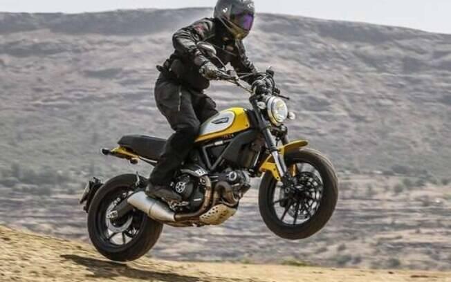 Ducati Scrambler chega para agradar o público cativo dessa categoria, que por enquanto tem apenas a Triumph como opção