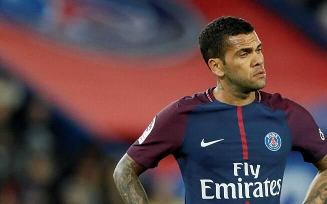 Daniel Alves comentou sobre a eliminação do PSG na Liga dos Campeões