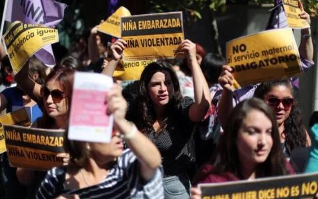 Polícia local estima que 15 mil pessoas estavam presentes na marcha pró-aborto