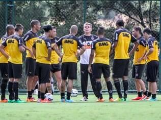 Autuori conversou com os jogadores, passando orientações para a estreia no Nacional