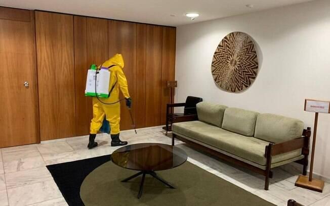 Gabinete de Jair Bolsonaro foi desinfectado