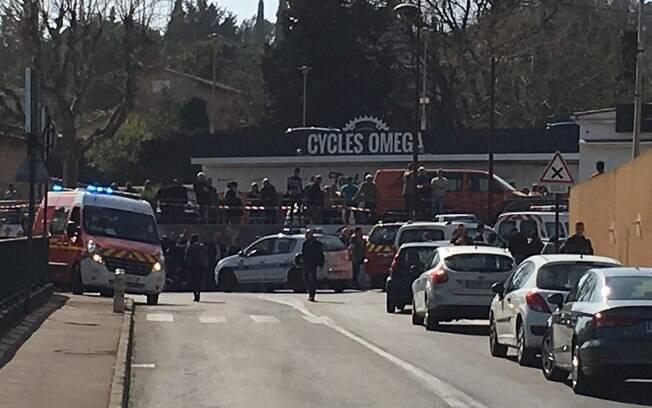 Região no entorno da escola Alexis De Tocqueville, na cidade de Grasse, foi evacuada devido ao tiroteio
