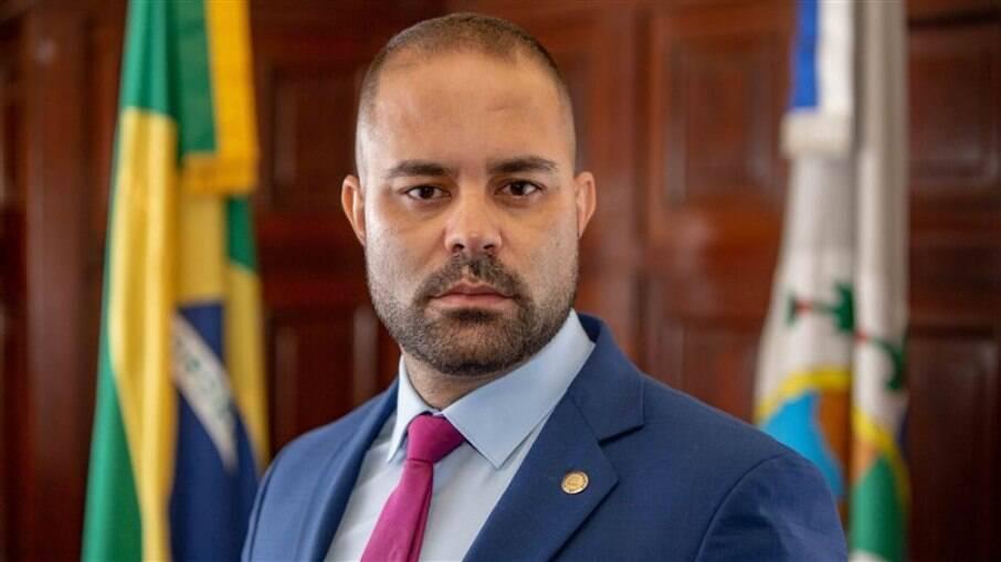 Deputado Filippe Poubel (PSL) teve seu nome citado no caso de um suposto estupro que teria ocorrido em uma boate em Cabo Frio, na Região dos Lagos, a qual ele é sócio