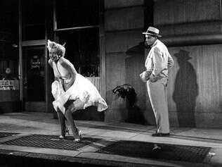 """Icônico. Imagem de Marilyn Monroe e seu vestido esvoaçante em """"O Pecado Mora ao Lado"""" entrou para história do cinema"""