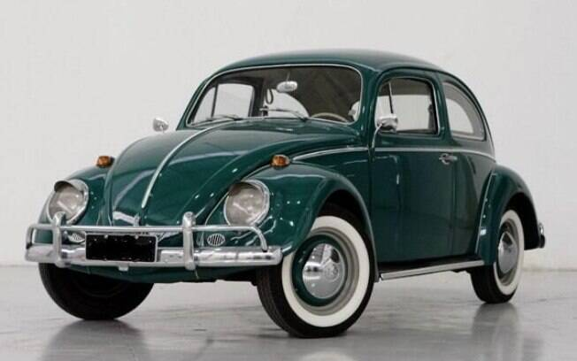 Volkswagen Fusca: o carro que acelerava o país e desbrava as estradas difíceis no período militar.
