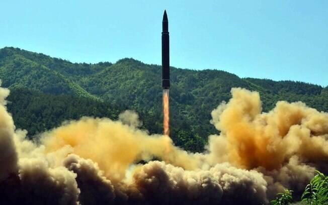 Donald Trump afirmou que lançamentos de mísseis pela Coreia do Norte são normais