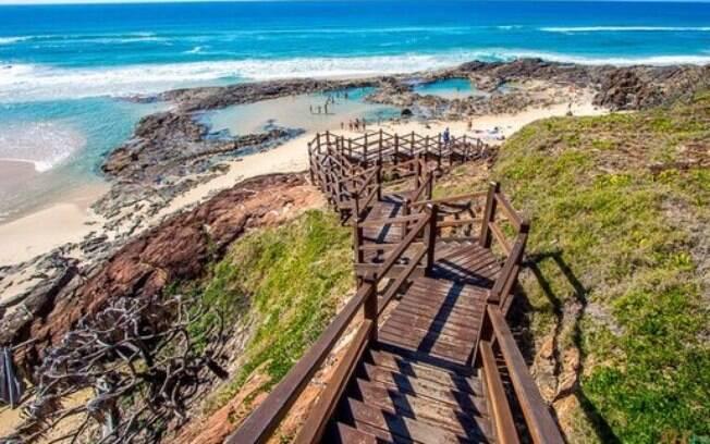 Além de correntezas, a praia oferece riscos por conta de tubarões e crocodilos