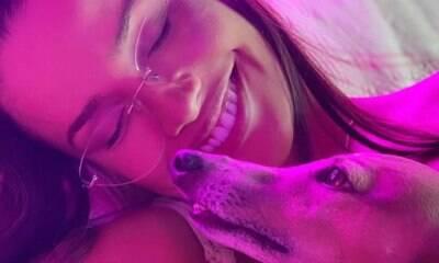 Juliette Freire posta foto com Plínio, cachorro de Anitta