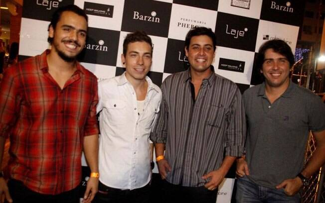 Di Ferrero, Cacá Bueno, Tulio Dek e Bruno de Luca: os donos do bar