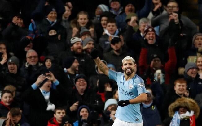 Sergio Aguero foi o rei do jogo com três gols. Nessa rodada, o argentino empata em terceiro na artilharia