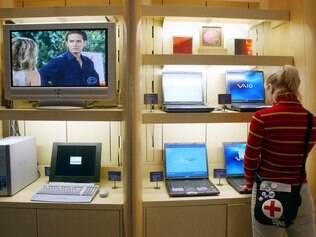 Mulheres valorizam praticidade ao escolher equipamentos eletrônicos