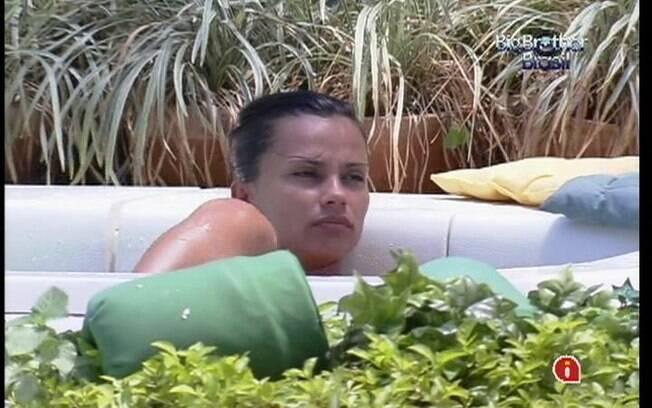 Kelly acredita estar na mira de Laisa