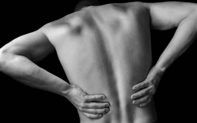 No passado, acreditava-se que a cura para dor nas costas exigia repouso absoluto