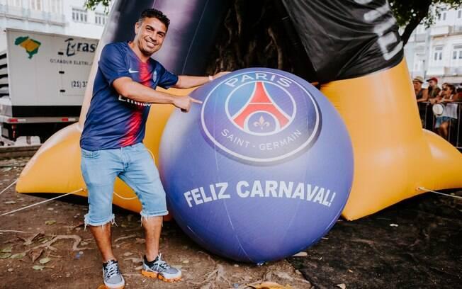 Ex-atacante Alex Dias representou o PSG no carnaval