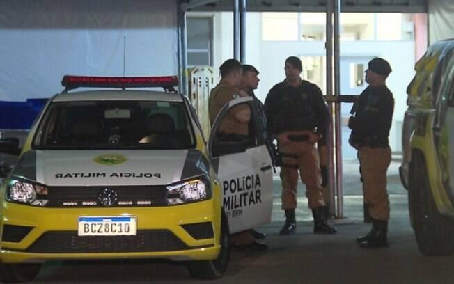 PM foi baleada acidentalmente por colega durante o trabalho e foi levado para hospital de Curitiba em estado grave