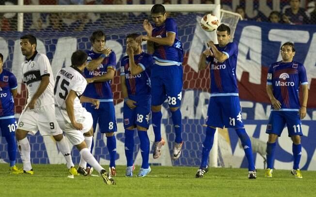 Nas quartas, time paraguaio levou a melhor  sobre o Tigre
