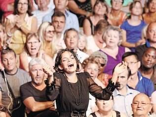 """Além da pesquisa musical, """"Piaf! O Show"""" traz fotos e vídeos inéditos da cantora francesa"""