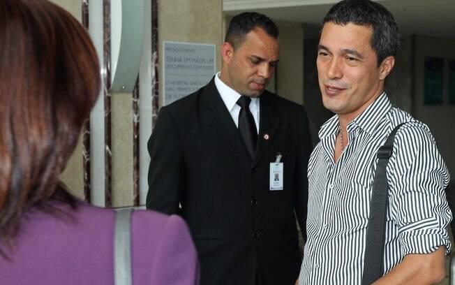 Emanuel Camargo conversou brevemente com a imprensa