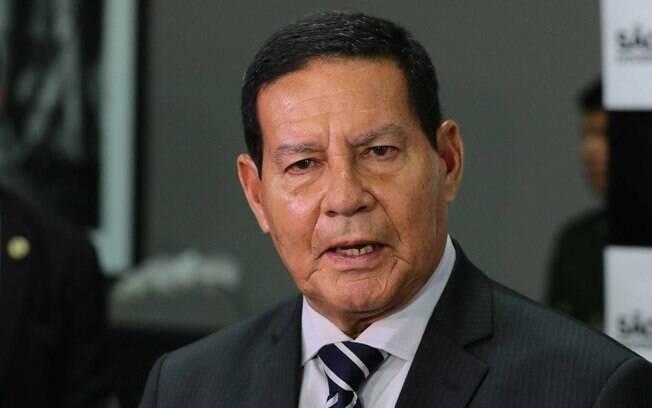 Mourão diz que Ustra, condenado por tortura na ditadura, era um 'homem de honra'