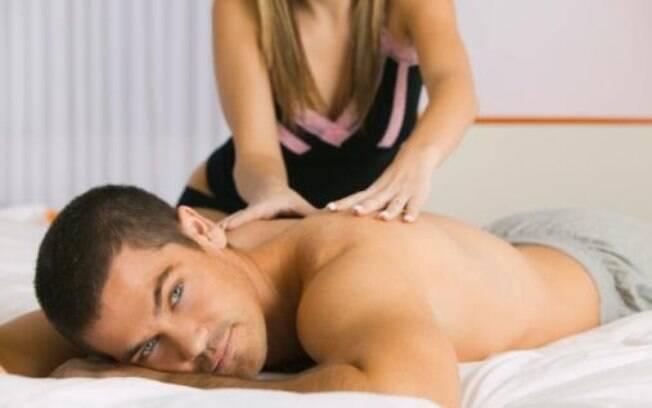 Segundo eles, uma massagem sensual ajuda na hora H